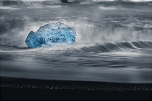 Plakat An iceberg in the waves