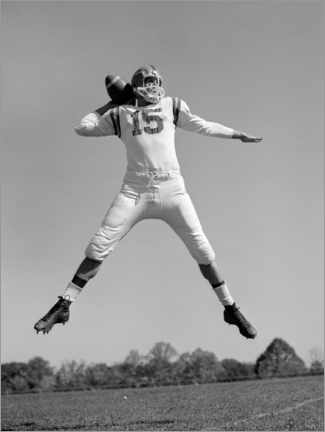 Obraz na płótnie  Football Quarterback throwing pass, 1960s