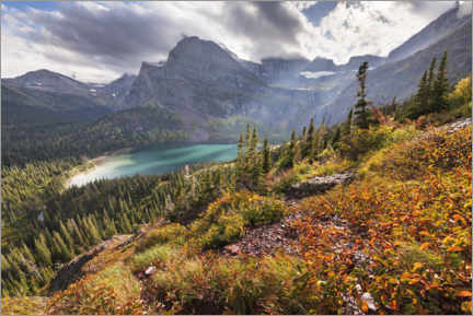 Naklejka na ścianę  Turquoise mountain lake in the Rocky Mountains in autumn - The Wandering Soul