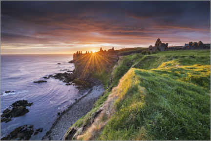 Plakat  Castle ruins by the sea in Ireland at sunrise - The Wandering Soul