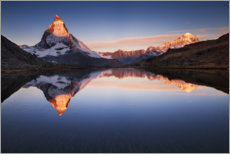 Obraz na drewnie  Matterhorn with reflection in the mountain lake - The Wandering Soul