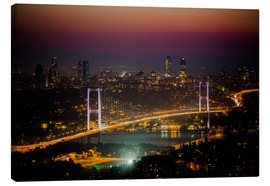 Obraz na płótnie  Bosporus-Bridge at night - pink (Istanbul / Turkey) - gn fotografie