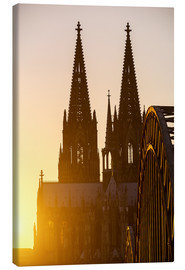 Obraz na płótnie  Sunset behind the Cologne Cathedral