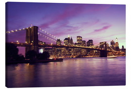 Obraz na płótnie  Brooklyn Bridge and Manhattan at purple sunset