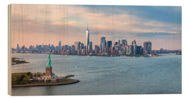 Obraz na drewnie  New York skyline with Statue of Liberty - Matteo Colombo