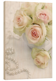 Obraz na drewnie  Pastel-colored roses with pearls