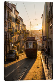 Obraz na płótnie  Tram in Lisbon, Portugal - Alex Treadway