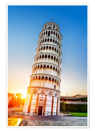 Plakat The leaning tower at dusk