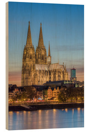 Obraz na drewnie  The Cologne Cathedral in the evening - Michael Valjak