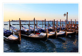 Plakat Gondolas in the snow with a view of Venice